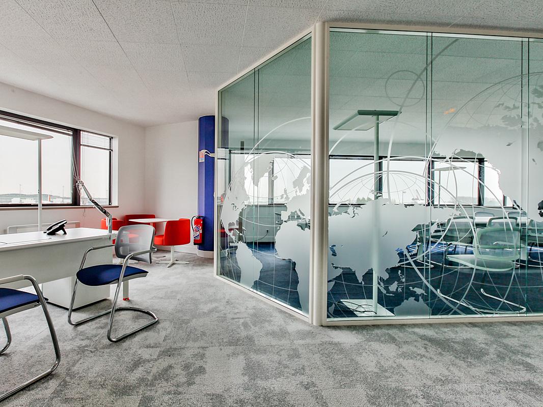 ADP sélection et installation du mobilier de bureaux dans son ensemble.