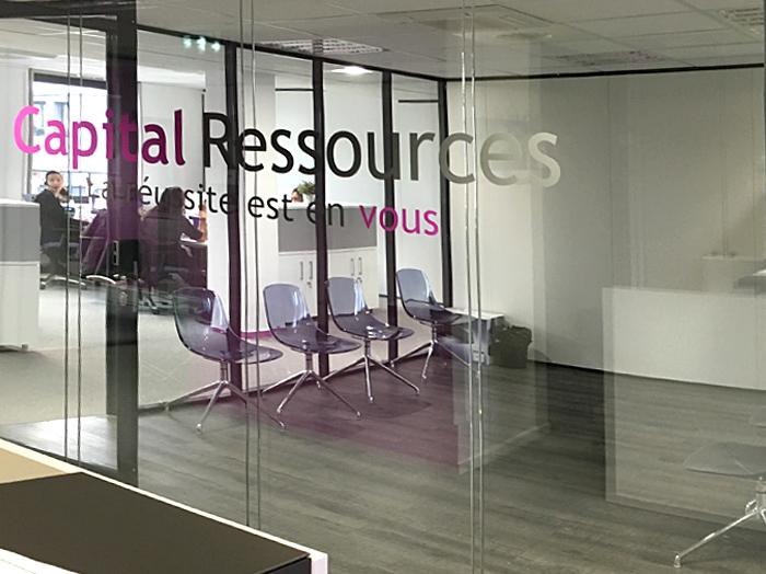 Capital Ressources | Cloisons vitrées, Revêtement de sols, Vitrophanie